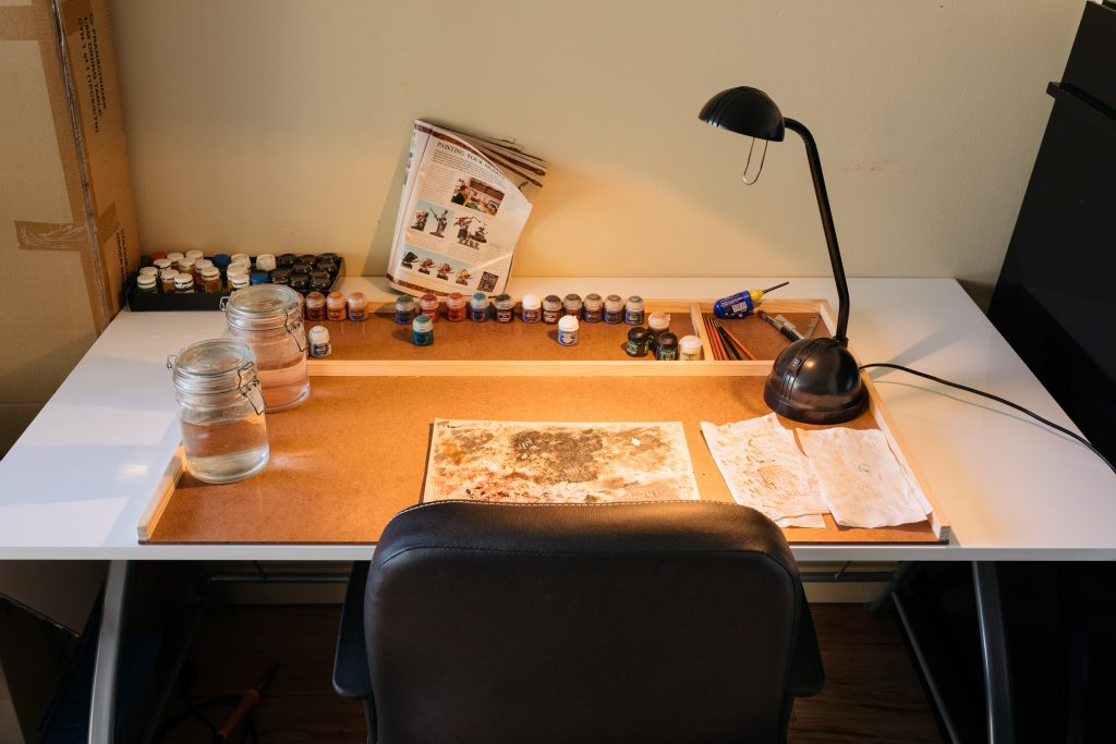 Miniatures painting board